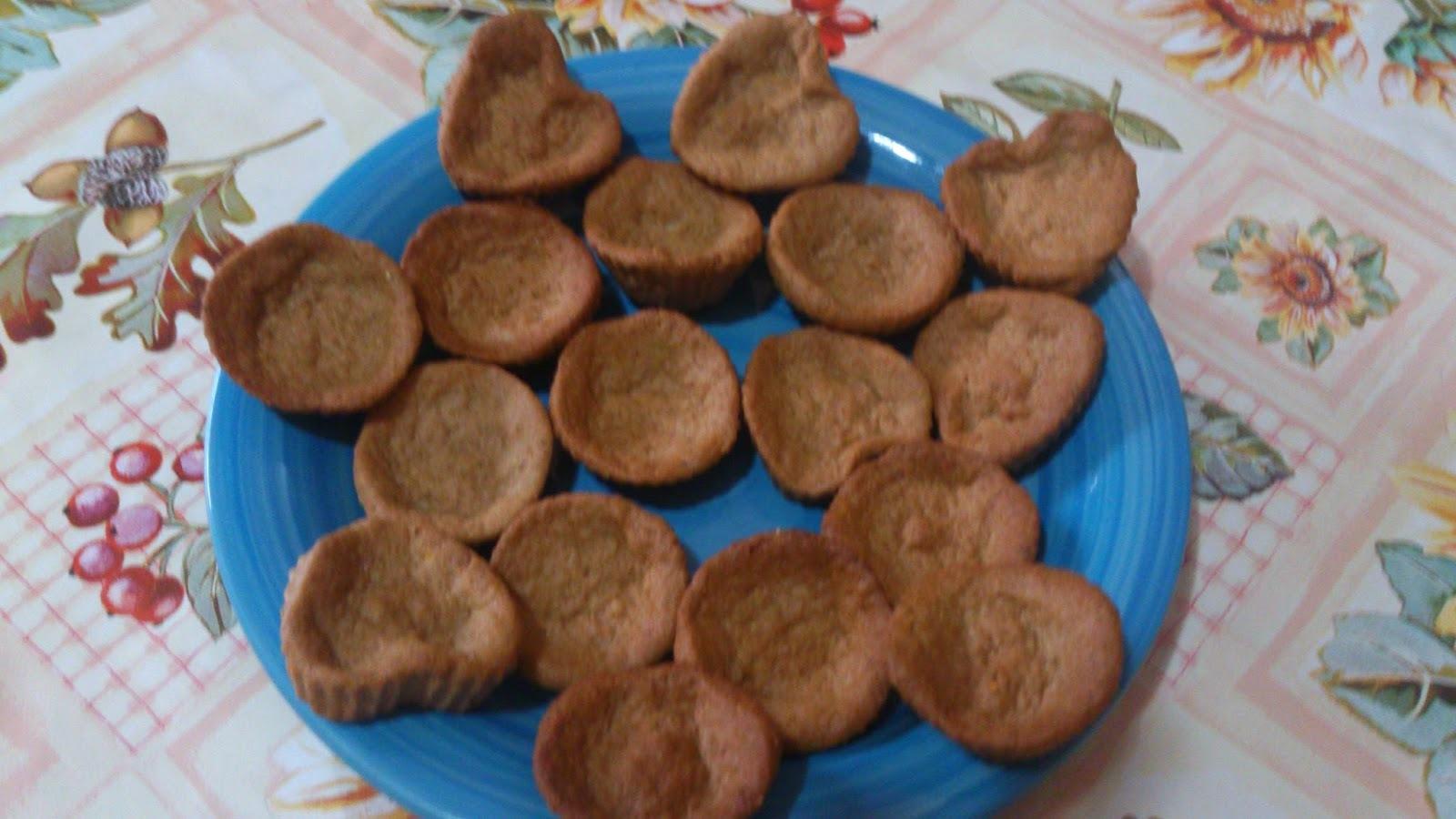 Biscoitos de especiarias e geleia de rosas vermelhas