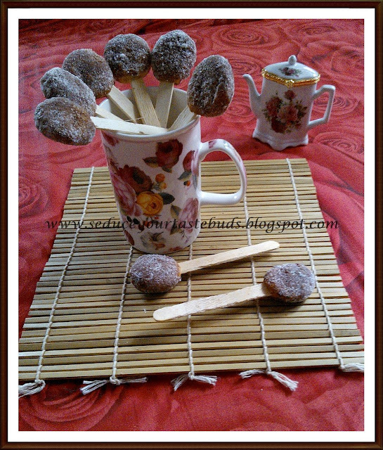 Eggless Baked Yeasted Doughnuts | Chocolate Donut Pops