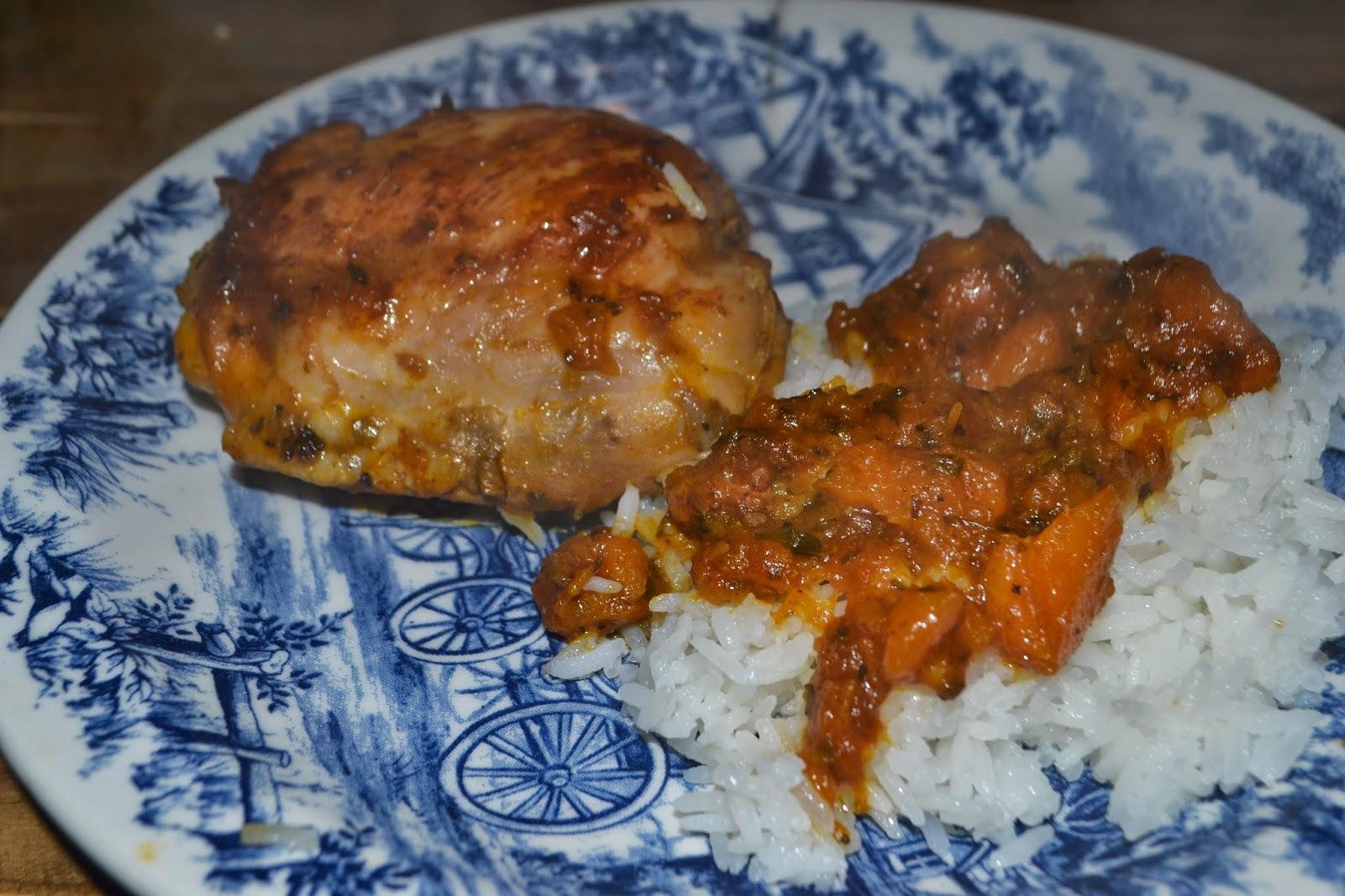 Sobrecoxas de frango com molho de moranga