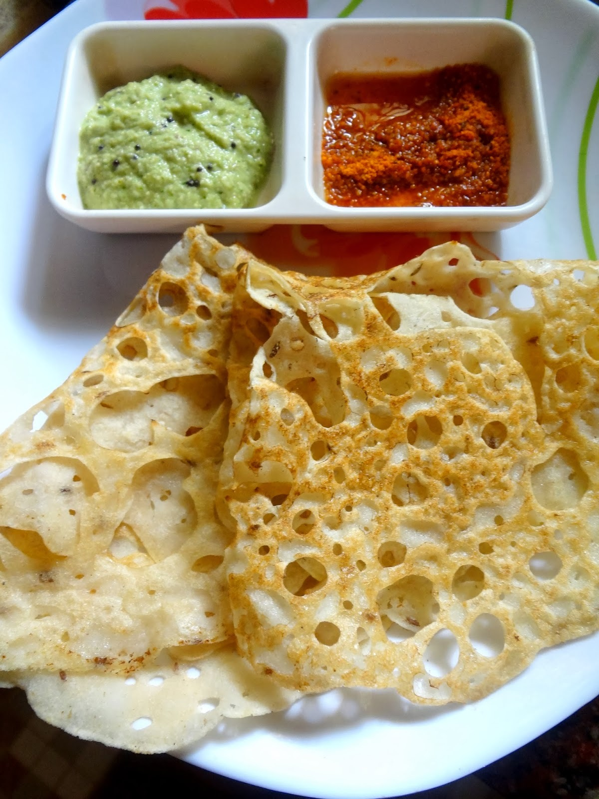 Rava Masala Dosa (Spiced semolina and flours crepes )