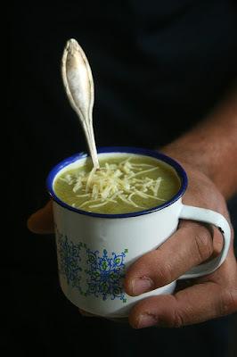 Soupe de blettes au lait de coco et gingembre