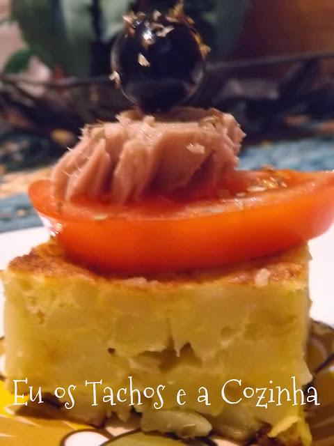 Pinchos de Tortilla,tomate e atum