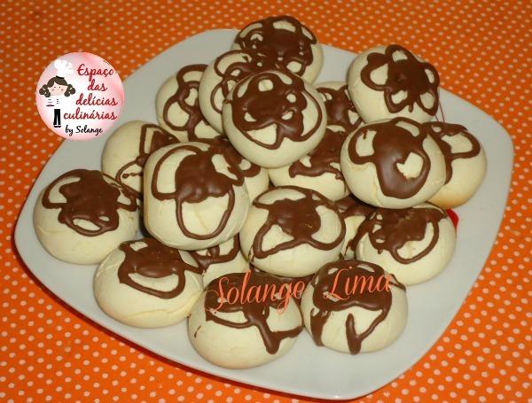 Sequilhos de leite condensado e chocolate
