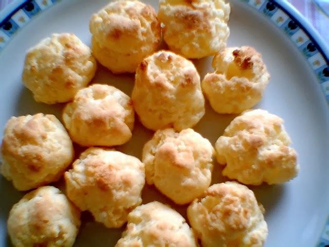 Pãezinhos de queijo vegano