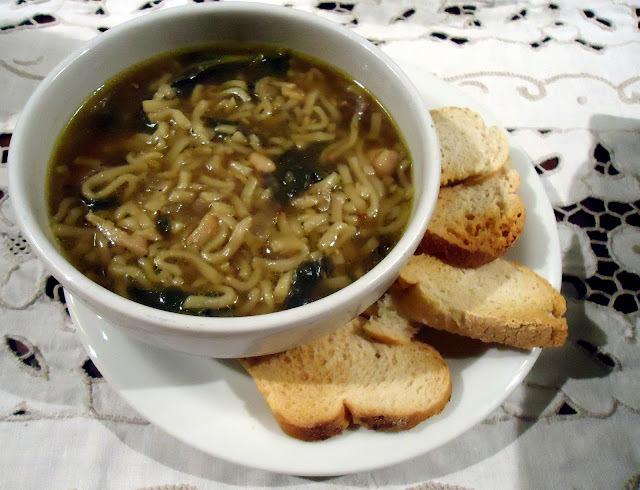 jantar no dia frio e chuvoso