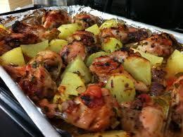 frango assado com batata e creme de cebola