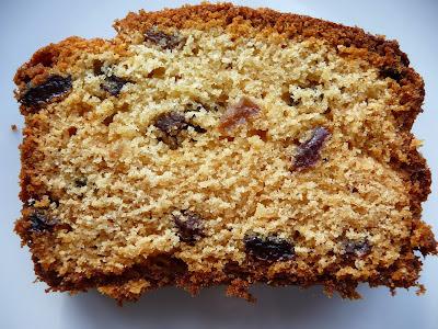 Old fashioned fruit loaf cake