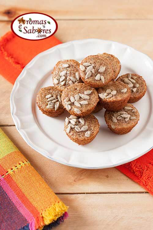 Mini muffins de banana funcionais, sem glúten e sem lactose