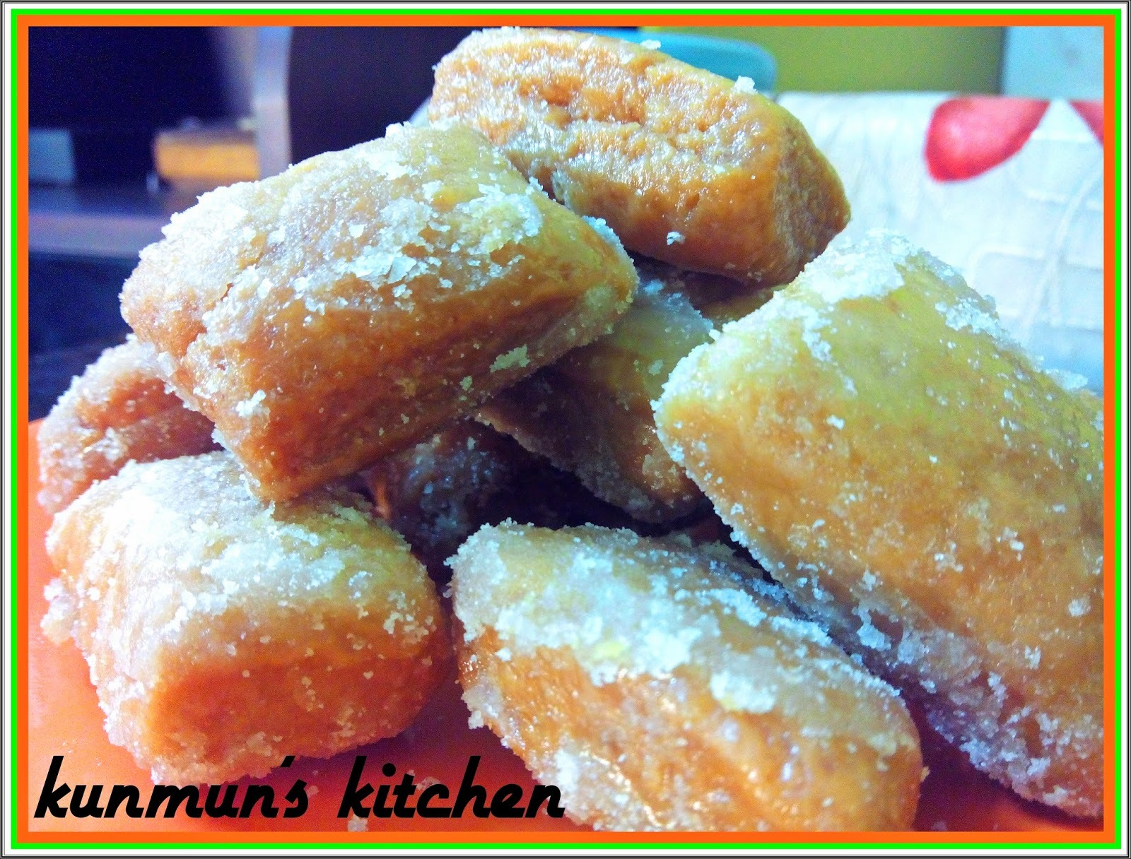 KHASTA GAJA (A FRIED SWEET PASRTY)