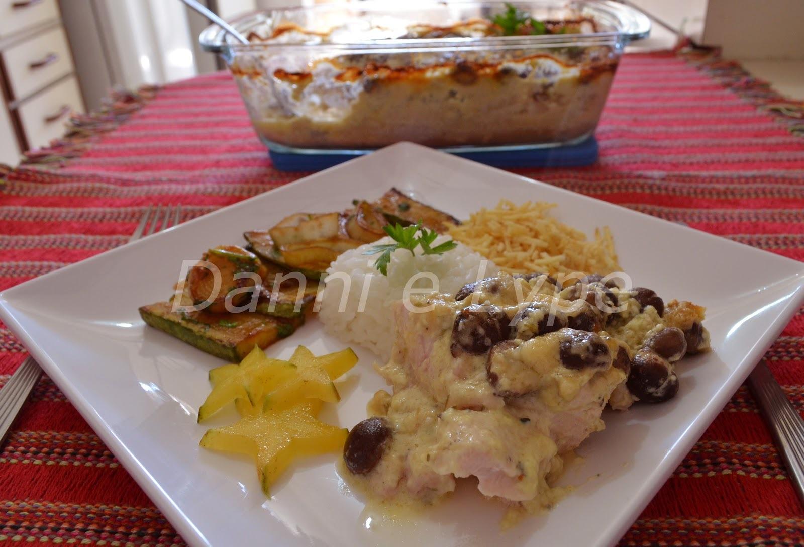 frango ou carne ao molho de queijo ao forno