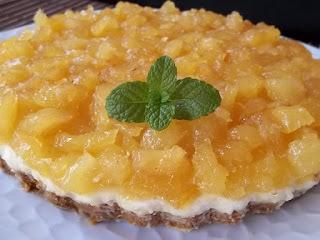 torta de abacaxi com biscoito