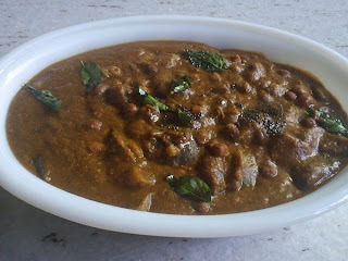 Race Kuzhambu - A spicy and tangy gravy with Eggplant