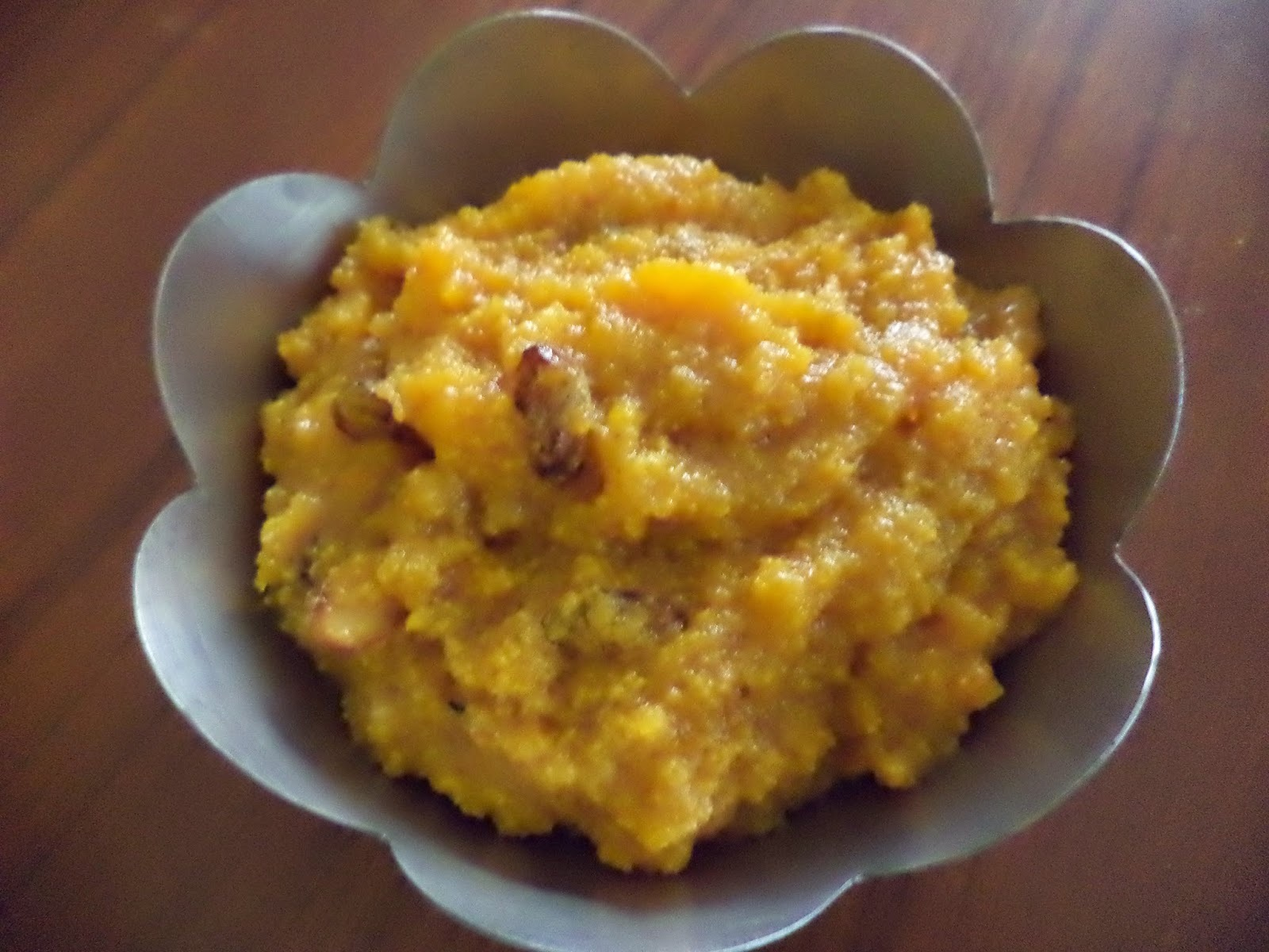CARROT HALWA -MICROWAVE COOKING