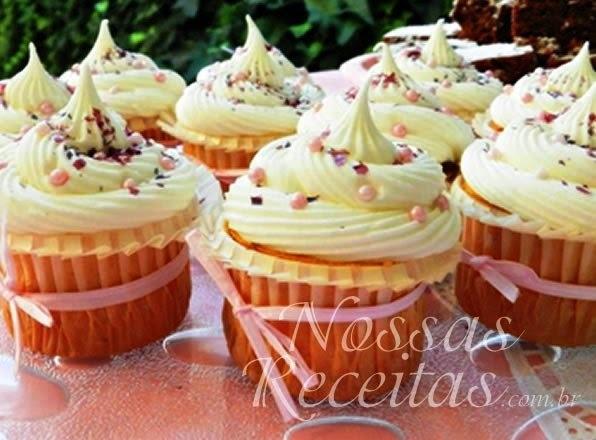 Cupcake de baunilha e coco