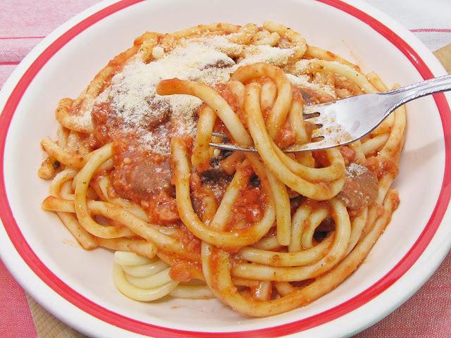 Milánói makaróni + bolognai spagetti = bolánói spagaróni