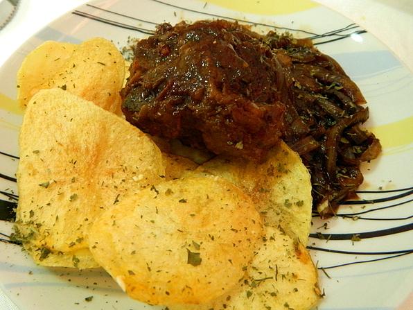 carne temperada com cebola e caldo de carne