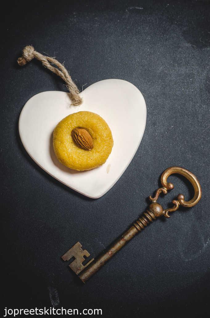 Pumpkin & Condensed Milk Halwa / Kaddu Halwa - Easy Diwali Sweets (My 1000th Post)