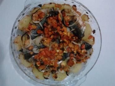 sardinha ao forno com batata cebola e tomate