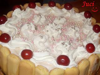 Gyümölcsös joghurtos szülinapi torta