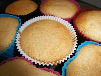 moist vanilla cupcakes using oil instead of butter