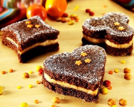 Bolo de chocolate com recheio de laranja