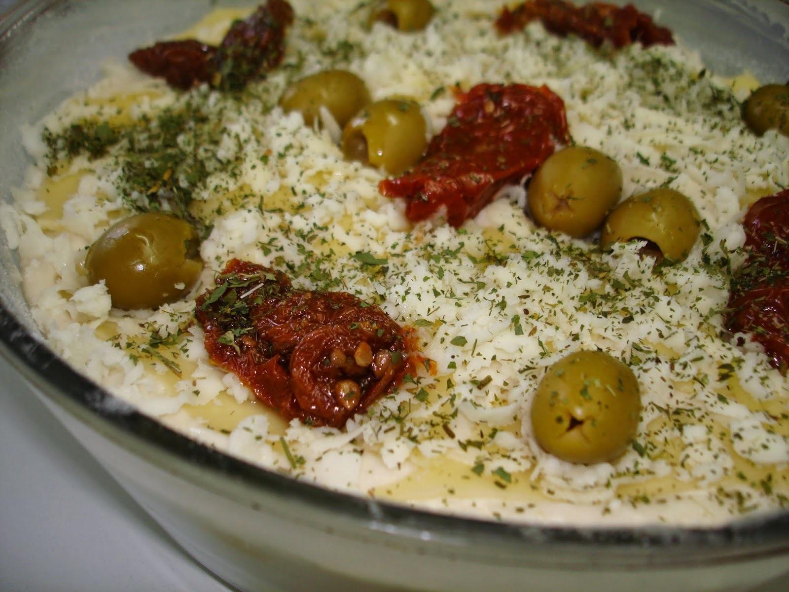 Frango em Cubinhos com Batata Baroa (Mandioquinha) e Creme de Queijo ao Forno: um prato fácil e gostoso!