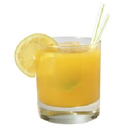 coquetel de frutas com refrigerante de limao