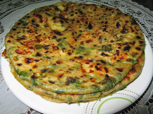 Healthy Methi Paratha - Fenugreek leaves stuffed Paratha - Diabetic diet Recipe