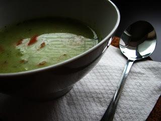 Brokolicová polievka s mrkvou, nivou a nádychom tymiánu