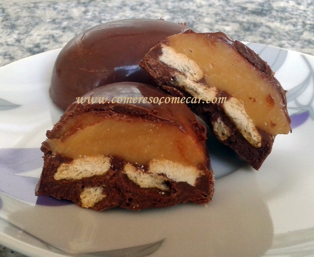 """OVO DE PÁSCOA TIPO """"TWIX"""" (Caramelo, biscoito e chocolate)"""