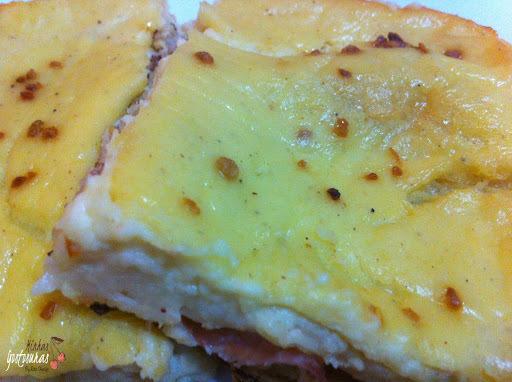 torta pastel de calabresa e queijo