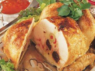 Pollo relleno con ciruelas al grill rapido