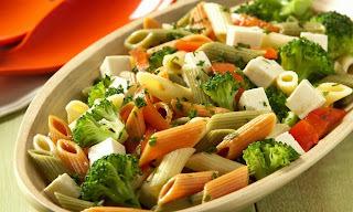 Salada Light de macarrão  (massa integral ou normal)