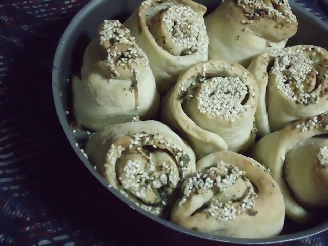Eggless Garlic Zaatar (Thyme) Rolls
