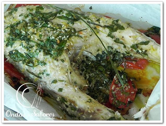 de peixe assado com assa fácil