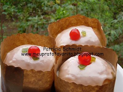 rosca de padaria com frutas cristalizadas