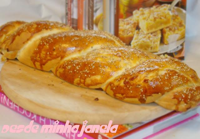 Pão trançado com mortadela e queijo