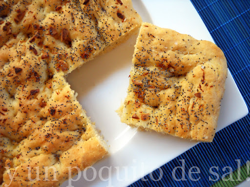 [whole kitchen] focaccia de espelta al limón