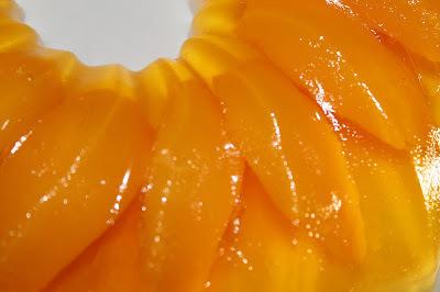 Gelatina de melocotón y queso crema