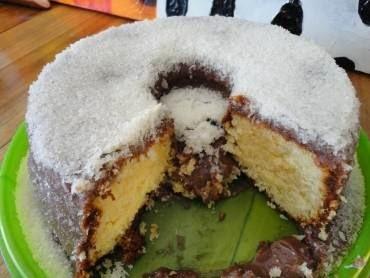 cobertura de chocolate para bolo simples com leite condensado