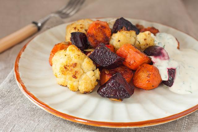 Pečeno povrće sa sjemenkama i orasima