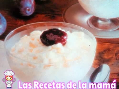 Receta de Crema de arroz con salsa de ciruelas