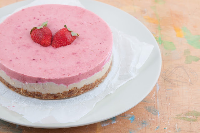 cheesecake de fresas  (crudivegano)