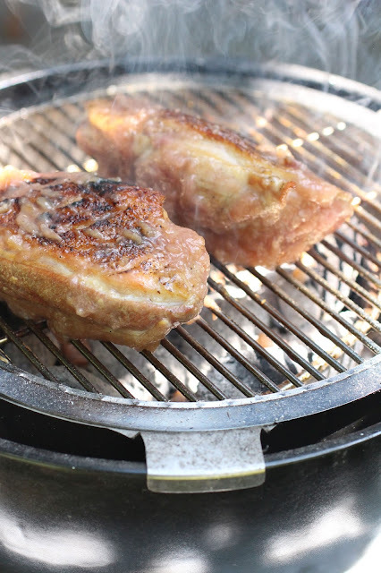 Magret de canard au barbecue, sauce aux pêches