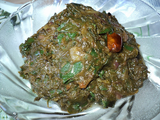 Saru Patra Chutney ( Arbi Leaf Chutney )