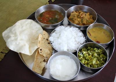 Kathirikkai Kariamudhu, Thalicha Paruppu, Beans Poriyal - Weekend Cooking