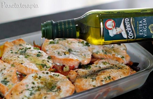 postas de peixe ao forno temperadas com sal grosso