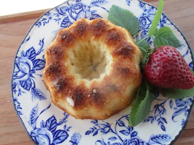 Yogurt little cakes (petit gateaux aux yogourt)