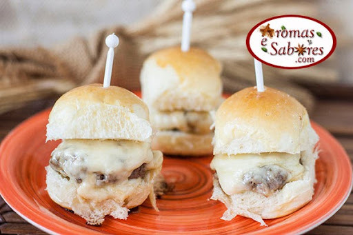 Receita de mini hamburguer - sliders