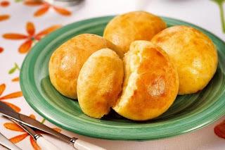 Pão de Batata Recheado com queijo mussarela e parmesão